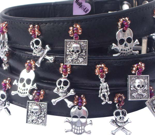 Pirate of the Carribbean. Charm dog collar.